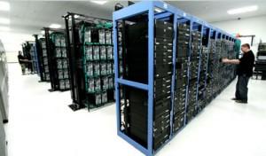 llegar donde están alojados los servidores web